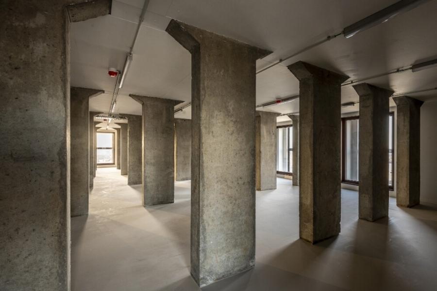 Lege verdieping in het torendepot, 2020